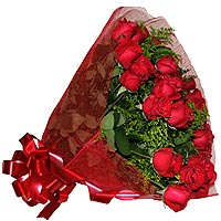 Fascination Bouquet of 18 Roses